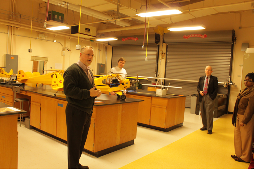Mike Heiges gives a briefing in the GTRI Unmanned Aerial Vehicles laboratory.Georgia Tech Research Institute