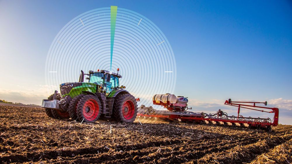 Hexagon | NovAtel GNSS SMART Antenna now the default receiver selection on Fendt machines in North America, Europe and the Middle East